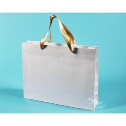 papírové tašky PAVLÍNA 38x10x30 bílé, lesklé lamino, zlatá stuha